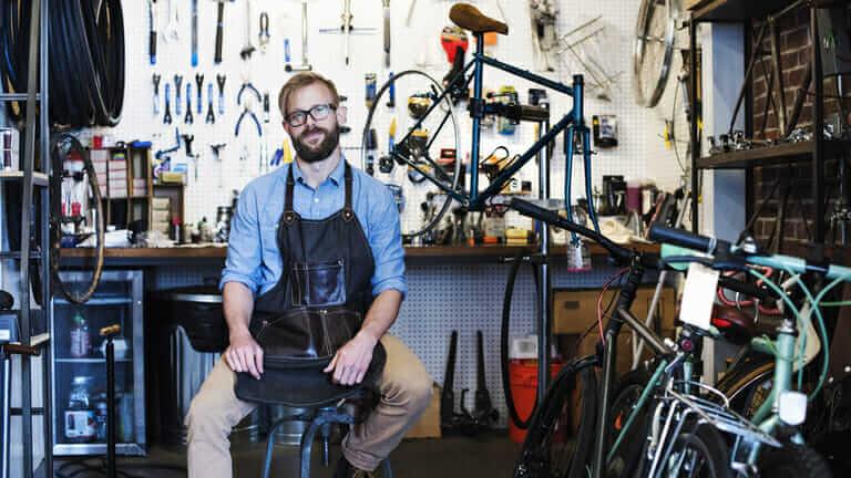自転車屋 車いす 修理