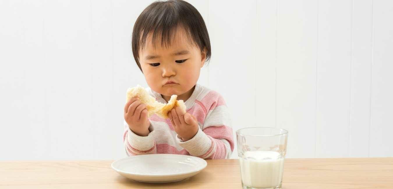 朝ごはんにパン (1)